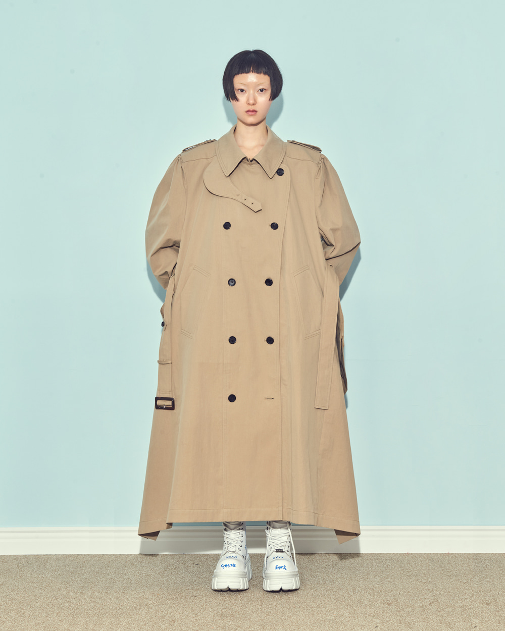 BACK POINT TRENCH COAT